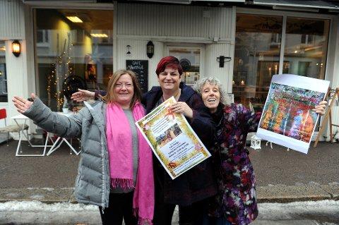 Velkommen: Disse tre kvinnene vil gjerne se deg på Cafe Vintage lørdag kveld. Fra venstre: Anja Aanes, Kathie Tostrup og Lizz Daniels.