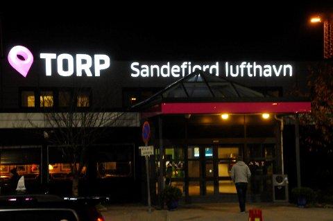 STOPPET: 38-åringen hadde ikke lov til å komme tilbake til Norge før tidligst 13. april 2021. Han ble stoppet av politiet på Torp 16. januar 2019.
