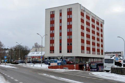 SOLGT: Jernbanplassen 1-3 i Sandefjord er solgt for over 70 millioner kroner.