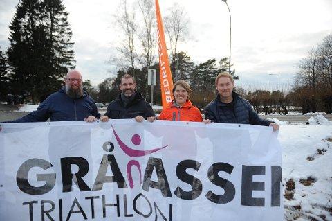 NYTT SAMARBEID: Gråtassen Triathlon har inngått et samarbeid med Vestfold Bedriftsidrettskrets. Fra venstre: Trond Stensholt (Gråtassen), Kjetil Olsen (Bedriftsidretten i Norge), Birte Svenssen (Bedriftsidretten i Vestfold) og Hans Christian Trollsås (Gråtassen).