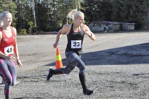 PÅ PALLEN: Cathrine Gulliksen fra CrossFit Sandefjord tok tredjeplassen i dameklassen under Tiko Games.