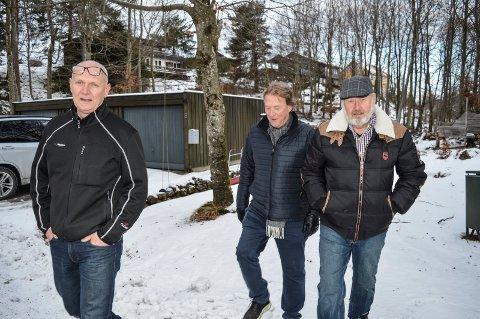 VIL STANSE FORTETTING: Terje Bredal (f.v.), Jan Hem og Kjell Rue vil gjøre alt som står i deres makt for å stanse byggeplanene i Grønåsen. De representerer 3/4 av beboerne i gata.