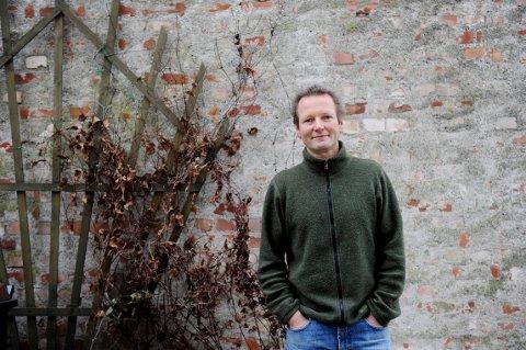 FIKK URIJAZZPRISEN: Komponist og musiker Jon Rosslund fra Sandefjord mottok prisen i Oseberg kulturhus i Tønsberg lørdag kveld.