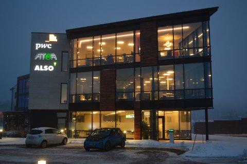 TASSEBEKK: Dagens kontorsenter er på tre etasjer. Nybygget skal bli på fire.