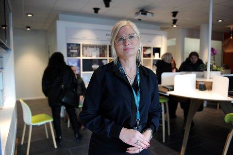 Renteøkning: Banksjef i DNB Sandefjord og Larvik, Monica Schjelderup, forteller at de øker lån- og innskuddsrenta.