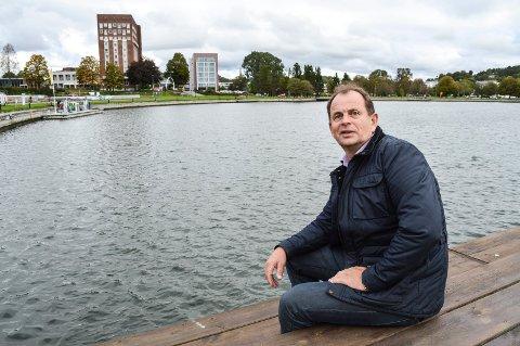 VIL GJØRE BYEN ATTRAKTIV: Bjarne Sommerstad stemte for bybad og mener at attraktiviteten til Sandefjord øker med et slikt tilbud. Vi snakket med Sommerstad etter møtet i KFBS-utvalget 17. oktober.