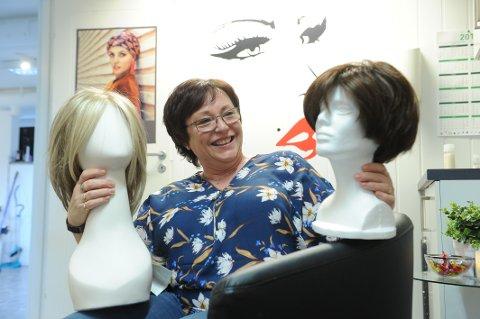 STARTET  BUSINESS: Kari-Merete Klinestad ble kreftsyk og mistet håret. En dårlig kundeopplevelse hun hadde sådde ideen om selv å starte med salg av parykker.
