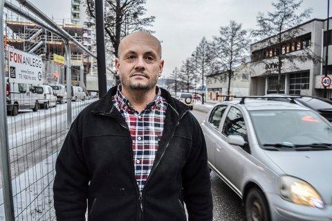 TRAFIKK:  Trafikken tar kvelertak på byen, mener Dag Ove Sørensen. Han etterlyser mer gjennomtenkte løsninger for infrastrukturen når fortettingen stadig griper om seg, og nye  boligfelter blir realisert.