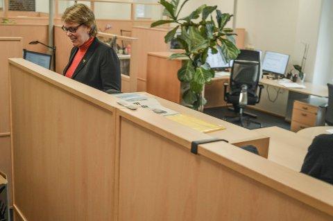 FORLATER SKUTA: Kommunalsjef Torunn Årset er den tredje personen i ledergruppa i nye Sandefjord som slutter. 80 av de 230 kollegene hennes har kontor i rådhuset.