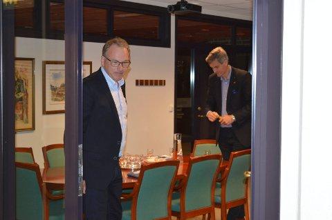 PRESS: Konstituert rådmann Stein Rismyhr (t.v.) og ordfører Bjørn Ole Gleditsch merket konsekvensene av varslersaken i det daglige arbeidet i rådhuset. Det har derfor også i 2017 vært stort behov for advokatkjøp utenfor huset.