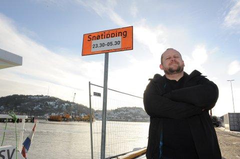 SNØDUMPING: MDG-politiker Odd Rune Langeland ønsker  totalforbud mot snødumping i Sandefjords havnebasseng.