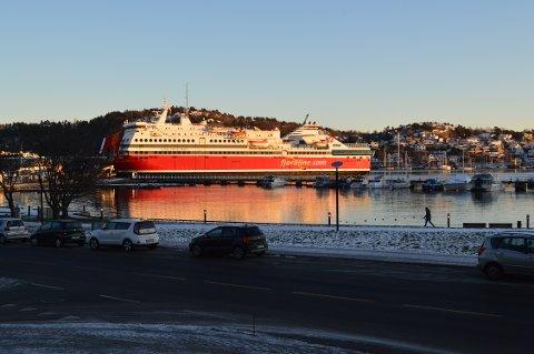FLYTENDE SPISESTEDER: Om bord på Fjord Lines MS Oslofjord kan du få kjøpt noe å spise på fem forskjellige steder: I Commander Buffet, Oasis Garden Café, Fjord Lounge, Sunbar og Skybar.