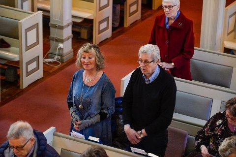 GÅR JEVNLIG: Ekteparet Jorund Kvæven Larsen og Reidar Larsen går jevnlig i kirken. Palmesøndag deltok de på gudstjeneste i Sandefjord kirke.