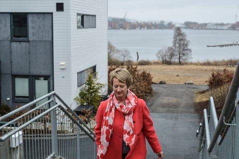NY FRAMTID: Gudrun Grindaker er på full fart inn i en ny epoke som rådgiver fra hjemmet på Jeløya, nå med eget konsulentfirma.