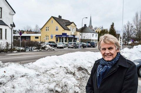 HJØRNET BLIR NYTT: I krysset Dronningens gate/Tidemands gate skal det bygges nytt. Fire arkitektfirmaer har fått i oppdrag å komme med forslag til hvordan det kan bli.