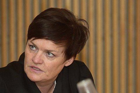 BER OM LØSLATELSE: Advokat Mette Yvonne Larsen mener at hennes klient bør løslates øyeblikkelig fra varetekt, fordi han er psykotisk.