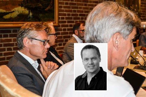PARKERT: Konstituert rådmann Lars Petter Kjær er «fratatt» muligheten til å signere det han er blitt enig med Miriam Schei om. Derfor mener ansvarlig redaktør og daglig leder Steinar Ulrichsen (innfelt) at det nå blir mer bråk.