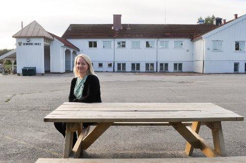 SKOLESJEF: Anne Sofie Nilsen er rektor på Vennerød skole. Hun kan fortelle at barna har fått en bedre skolehverdag.