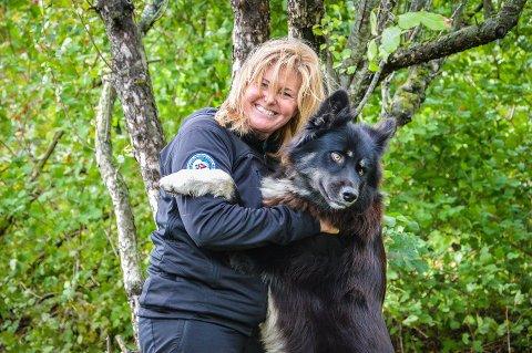 """DRØMMEN: - Det skjedde noe med «bucket""""-listen etter at jeg fikk kreft. Hvis jeg bare skulle få en eneste tur til i livet, ville jeg gå Finnmarksvidda på tvers, sier Camilla med trekkhunden Rex."""