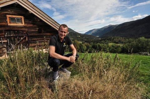 FRUSTRERT: Sven Tore Løkslid (AP) mener det sender uheldige signaler at fellesnemnda for nye Vestfold og Telemark fylkeskommune, valgte å utsette høringsuttalelsen angående den nye Vestfoldbanen.