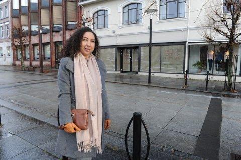 ÅPNER BUTIKK: Elisabeth Sanchez åpner veskebutikk og skomakerverksted ved Byparken tidlig i januar.