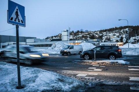 TRAFIKK: Fem millioner kroner blir prisen for rundkjøring i krysset Hegnaveien/Uranienborgveien.