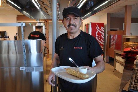 EN GLEDENS DAG: Shwan M. Ahmed er lykkelig over å endelig kunne åpne dørene til Pizzavera på Framnes igjen.