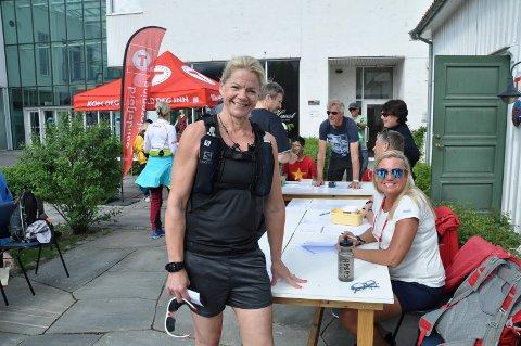 5. GANG: Trine Forfang melder etter påmelding hos Hilde Haugen. Forfang er klar for sin femte 10-toppstur.