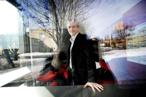 MÅ KUTTE: Rektor ved Sandefjord videregående skole, Harald Møller, får 120 færre elever neste skoleår.