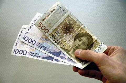 DYR: Reise i fellesferieni Euro-land som Spania og Hellas har aldri vært dyrere enn i år.