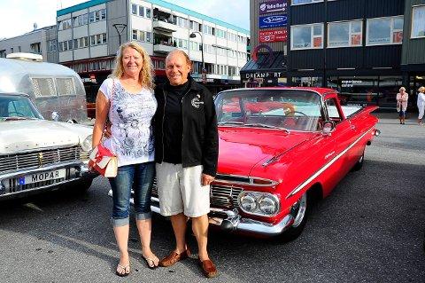 EN DRØM: Solfrid og Morten Høen kjøpte drømmebilen, en Chevrolet El Camino i 2017, og har aldri angret.