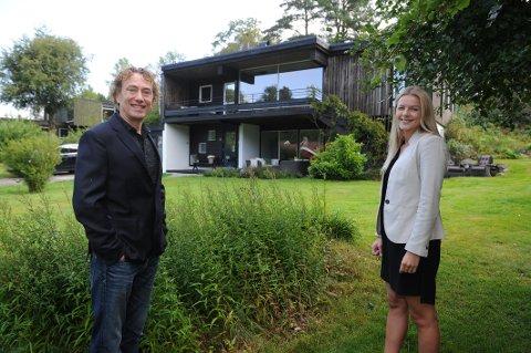 FUNKIS: Dette arkitektegnede huset fra 1965 som ligger på Karisletta i Bugården har en prisantydning på 7,9 millioner. Selger er Bjørn Halvorsen og megler er Hanna Sundby.