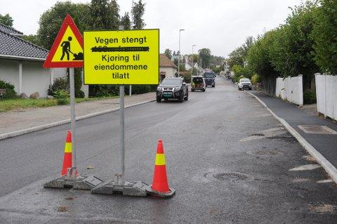 DØLEBAKKEN: Det har vært en krevende oppgave for vegvesenet å ferdigstille utvidelsen av veien. Flere uforutsette utfordringer har dukket opp, og forsinket arbeidet.