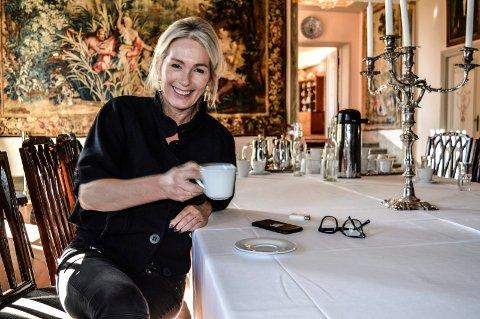 VEL BLÅST: Anita Krohn Traaseth (47) unner seg en kopp kaffe og en aldri så liten oppsummering etter at Arnebergstuen ligger igjen øde og forlatt.