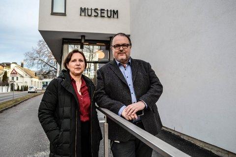 HOVEDINNGANGEN:  Velkommen til «nye» Hvalfangstmuseet, ønsker direktør i Vestfoldmuseene Lene Walle og avdelingsleder Dag Ingemar Børresen.