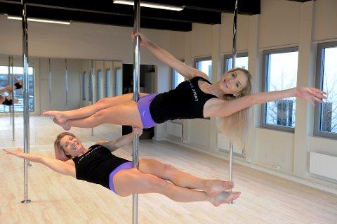 SATSER FRISKT: Andrea Hegdahl (til høyre) og Camilla Gabrielli etablerer treningsstudio på Torvet. Pole Dance og tilbud til utdrikningslag er noe av forretningskonseptet.
