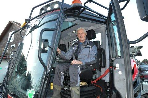 ILDSJEL: Yngvar Harm har kjørt løyper for Stokkes skigruppe i 40 år. Onsdag hadde han en lang dag i løypenettet for å sikre forhold for skifolket.
