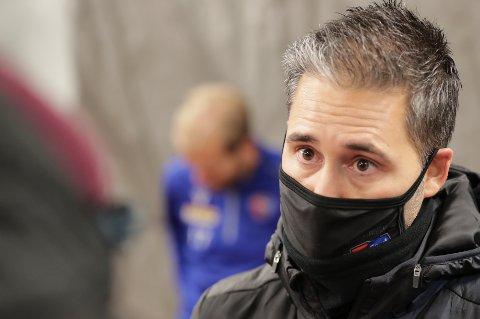 USIKKER FRAMTID: Det er fortsatt ikke avklart om Martì Cifuentes får fortsette som SF-trener eller ei. Men spillerne er klare på at de ønsker ham med videre.
