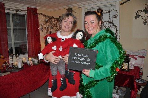 ÅPNET DØRENE: Anita Hodt og Heidi Meum har produsert et godt vareutvalget til julemarkedet i Landstadsgate 4.