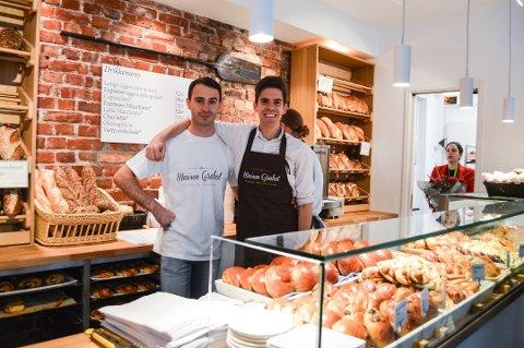 OVERRASKET: Thomas Boué-Grabot og Pepe Mateu ante ikke at bakeriet deres var nominert til pris før Sandefjords Blad ringte med nyheten.