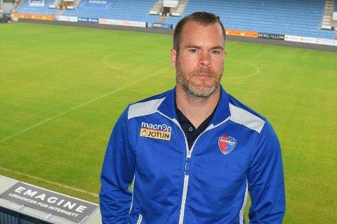 UTBYTTE: Daglig leder i SF, Espen Bugge Pettersen, får nå utbytte av smitteverntiltakene som er gjort i klubben.