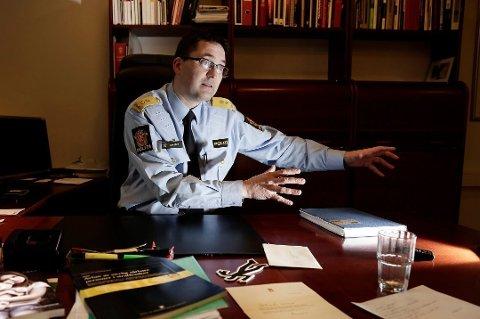 SIER NEI: Ole Bredrup Sæverud i Sør-Øst Politidistrikt ber sine ansatte om å ikke laste ned den nye smittestoppappen.