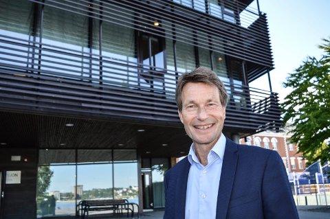 STATSSTØTTE:  I juni gledet rektor Atle Bjurstedt seg over den første støtten til Gokstad Akademiet. Nå har gleden økt ytterligere.