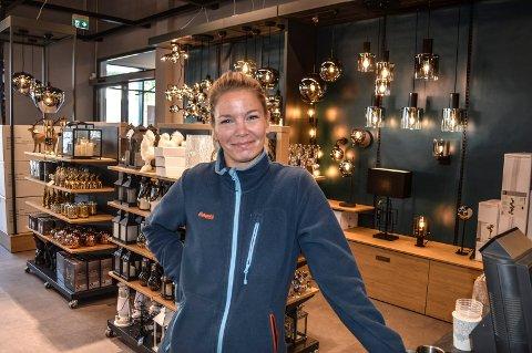 NY BUTIKK: Jorunn E. Dahle er sjef for Lampehusets andre butikk i Vestfold, som åpner i Kilen torsdag formiddag.