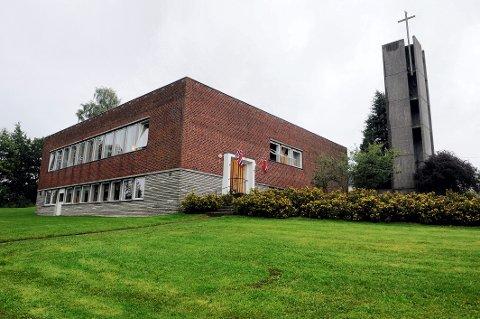 VESTERØY KIRKE: Førstkommende helg vil rundt 50 ungdommer konfirmeres i Vesterøy kirke.