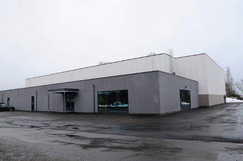 SOLCELLER: Sandefjord videregående skoles nye idrettshall kan få solcellepanel.