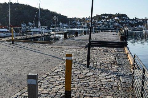 BRYGGA: Kommunen er bundet av en avtale fra 1994 som gjør at Kokeriet er garantert å unngå konkurranse på Utstikker 3, bortsett fra om det skulle bli aktuelt med servering fra hvalbåten.