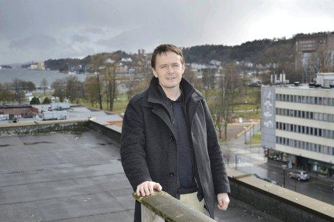 OVERRASKET: – Vårt tilbud om bibliotek i Storgata 1 startet jo faktisk prosessen med en eventuell flytting av biblioteket fra Hjertnes til sentrum, sier Larre Eiendom-eier Sten Sture Larre.