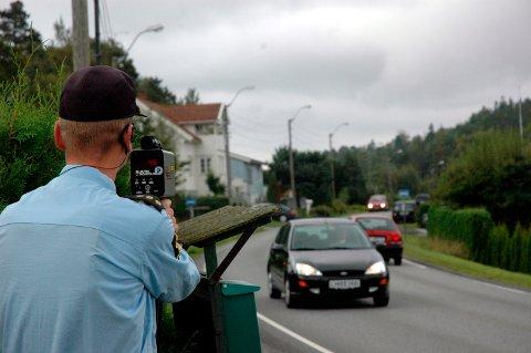 KONTROLL: Mannen kjørte ikke mye for fort, men tidligere prikker på førerkortet gjorde at han mistet lappen. Arkivfoto: Sigurd Øie