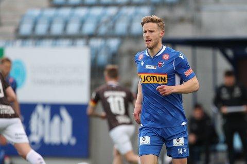 DEBUT: Alexander Ruud Tveter fikk debuten sin i 0-3-tapet mot Mjøndalen 16. mai. Han har kommet til SF for å jobbe hardt og bidra med mål.